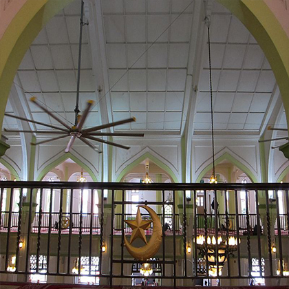 24 foot diameter fans big and elegant fan being used in a mosque in Dubai to keep the prayer-goers cool.